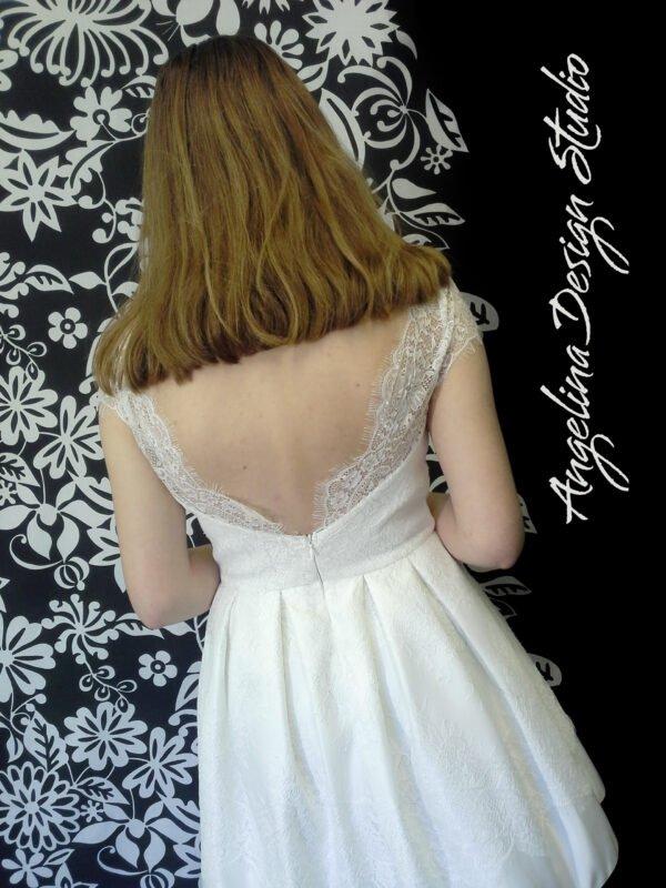Konfirmationskjole med blonde EMMA. Smukt og unikt kjole med flotte blonde