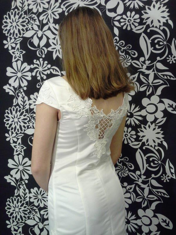 Konfi kjole med blonderyg LEA