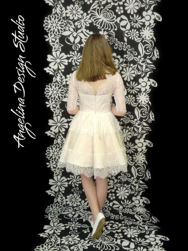 Konfirmationskjole med blonder LOUISE med blonde ryg