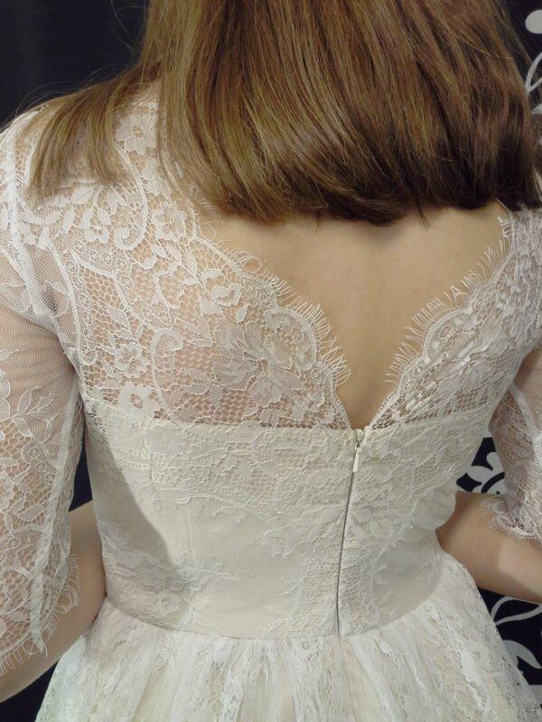 Konfi kjole med blonder LOUISE med blonderyg