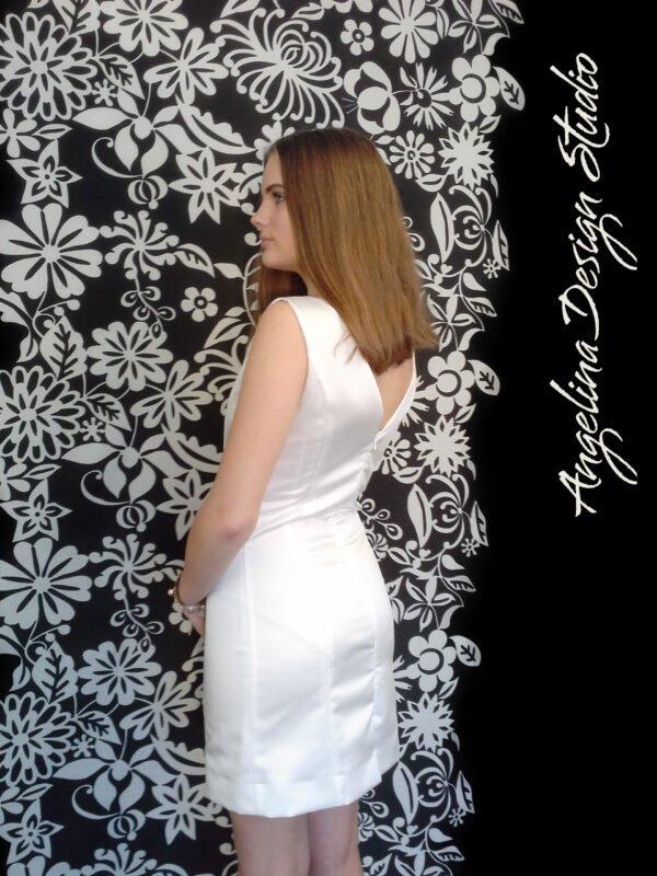 Slim konfirmationskjole CLARA uden blonde med åben ryg