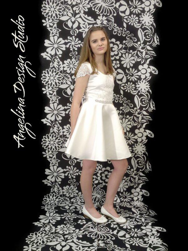 Smuk konfi kjole blonde LUCCA med blondeærmer
