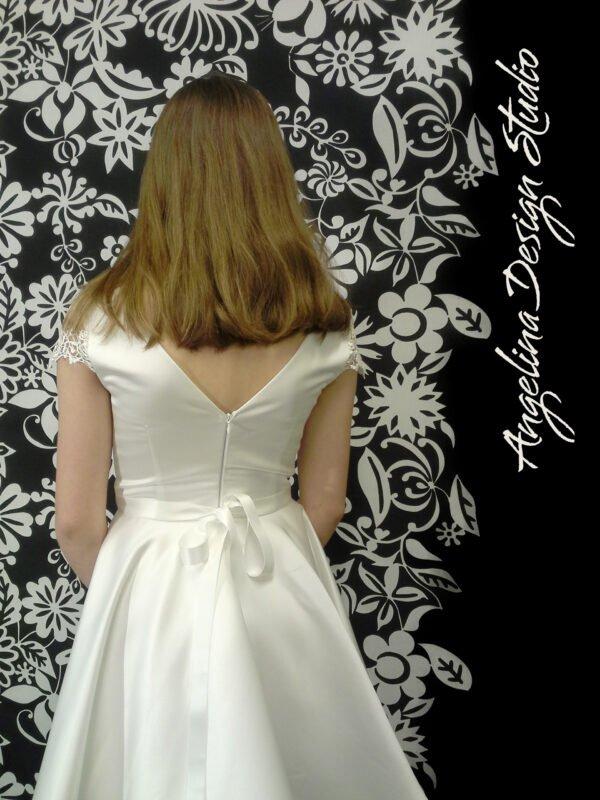 Flot konfi kjole blonde LUCCA med åben ryg