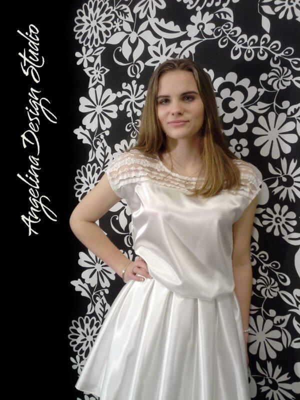 Konfi kjole med flotte blonder OLIVIA. Enkel konfirmationskjole
